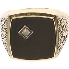 14 kt Yellow gold signet ring set with onyx and zirconia - Ring size: 19 mm