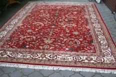 Beautiful & Wonderful Sarouk hand knotted 360x255 cm Top Quality & Condition as New