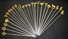 "25 ""Hâtelets Spades""' for skewers with figurines in brass, stainless steel blade"