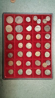 Roman Empire - Lot of 40 coins of various periods of antiquity