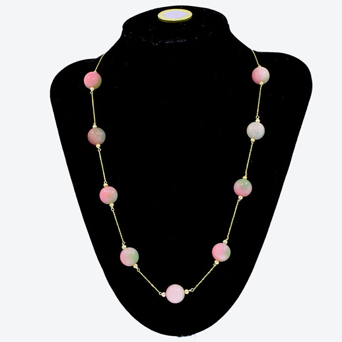 18k/750 yellow gold necklace with jade - Length, 56 cm.
