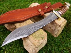 Damascus Steel Handmade Hunting Knife - Deer Stag Handle - 43.6 CM Mega Ranger Hunter -  Unique Raindrop Damascus Steel Pattern - Hand Stitched Leather Sheath