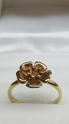 14 kt yellow gold vintage ring with flower, No reserve!