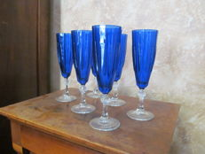 Set of 6 cobalt blue glass flutes