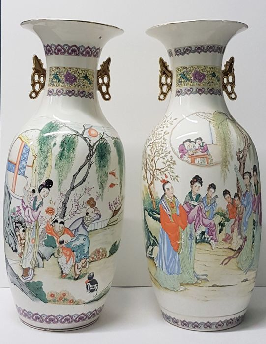 A pair of large porcelain vases - China - second half 20th century