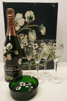 1971 Perrier-Jouët Special Reserve (Belle Epoque) - 1 bottle (78cl) & giftset with enamelled glasses and ashtray