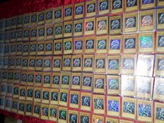 Lot 136x rare blue eyes collection YuGiOh