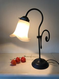 Brocante table lamp