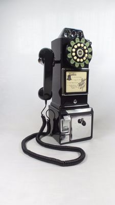 American Replica Black Classic Pay Phone - push button.