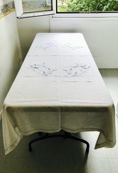 Beautiful old tablecloth in linen with hand made embroidery
