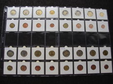 San Marino - Year packs 1 Cent to 2 Euro 2006/2007, 2009, 2011 and 2015 (32 coins) in coin capsules.