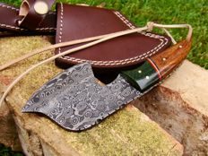 Handmade Damascus Steel Hunting Knife/Axe 18,2 CM - 205 Grams - 374 True Damascus Layer - Unique Raindrop Damascus Pattern - with Leather Sheath