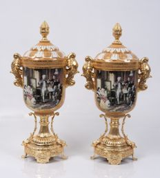 Set of brilliant vases glazed enamelled porcelain -  gilded pedestal, handles, decorations and top