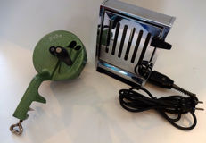 Lot of 2 1970s, Inventum toaster and Pede bean slicer