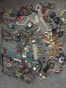 Estate clearance job Lot of vintage Jewellery necklaces, compact, boxed cameo ,Watches ,gem stones