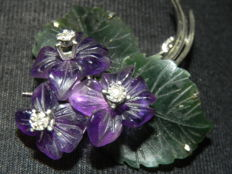 Violet brooch, violet amethyst jade and diamond bouquet, 585 gold, Vienna approx. 1950
