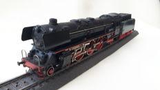 Märklin H0 - 3048.2 - Steam locomotive Series BR 01 with tender of the DB, with smoke generator