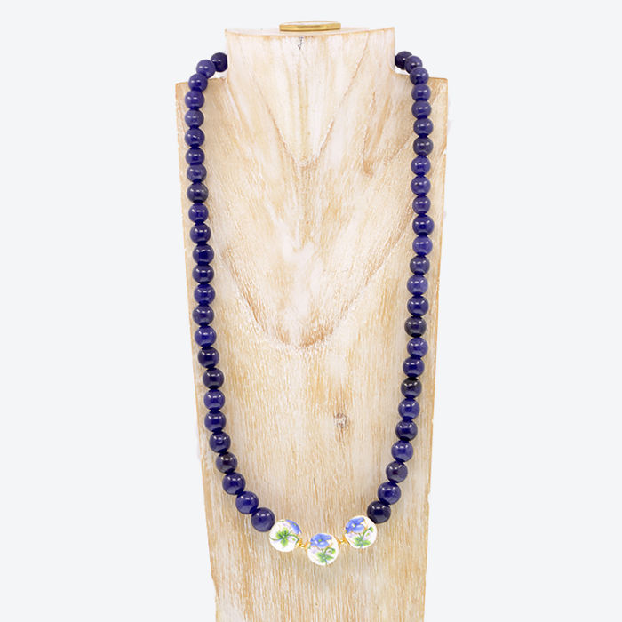 18kt/750 yellow gold necklace with sapphires and porcelain  - Length, 50 cm.