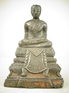 An excellent silver figure of Buddha - Thailand - 18th century