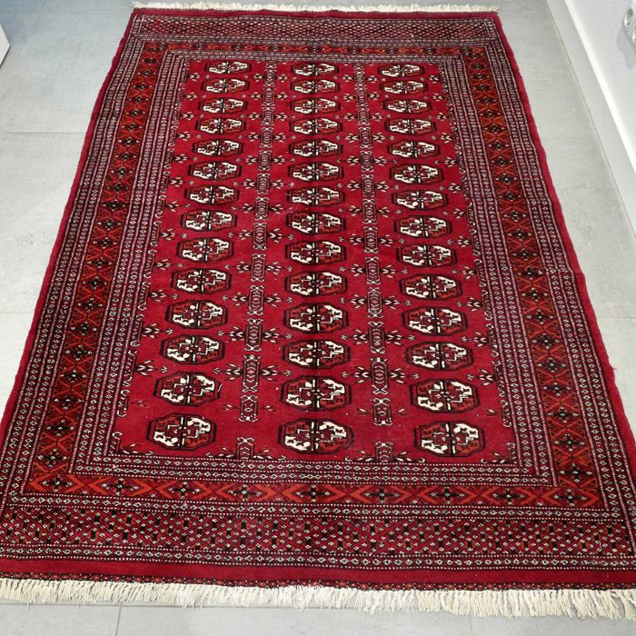 Stunning classic Bukhara - 179 x 126 - very good condition - with certificate