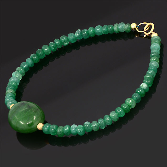 18kt/750 yellow gold bracelet with emeralds – Length 20 cm.