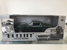 Bullitt 1968 Ford Mustang 1:18 Scale ERTL Collectibles 2002 Steve McQueen