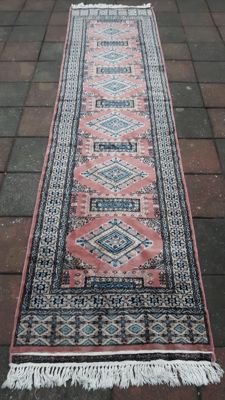 Very Beautiful Hand-knotted Oriental - Bukhara runner 315cm x 78cm !