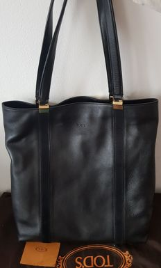 Tod's – Leather shopper bag with handles