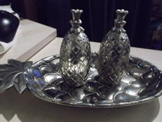 Silea and others - Metal dish and salt and pepper shakers in the shape of a pineapple.