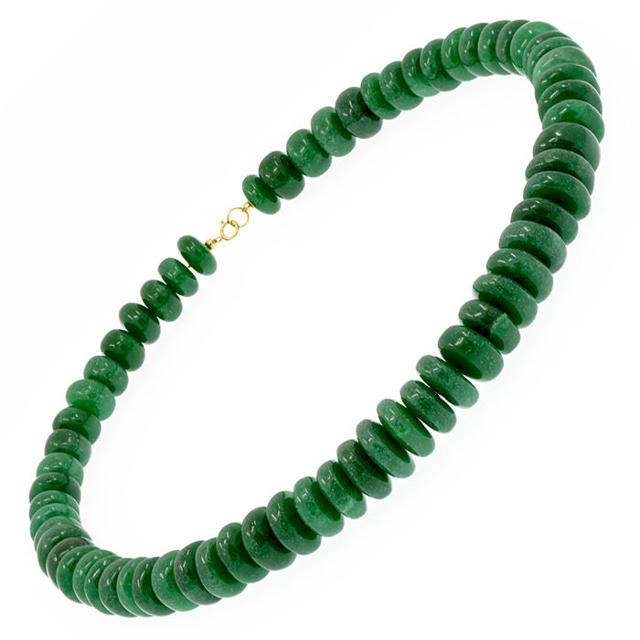 18kt/750 yellow gold necklace with green Jade – Length 55 cm.