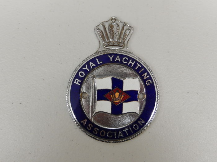 Vintage 1970's Chrome and Enamel Royal Yacthing Association RYA Car Auto Badge