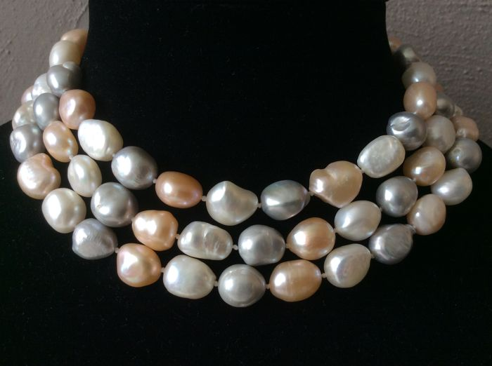 Necklace with baroque pearls Length 116 cm / 46""