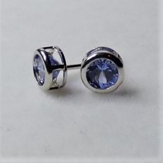 14 kt earrings with 0.5 ct of tanzanites, diameter: approx 0.6 cm