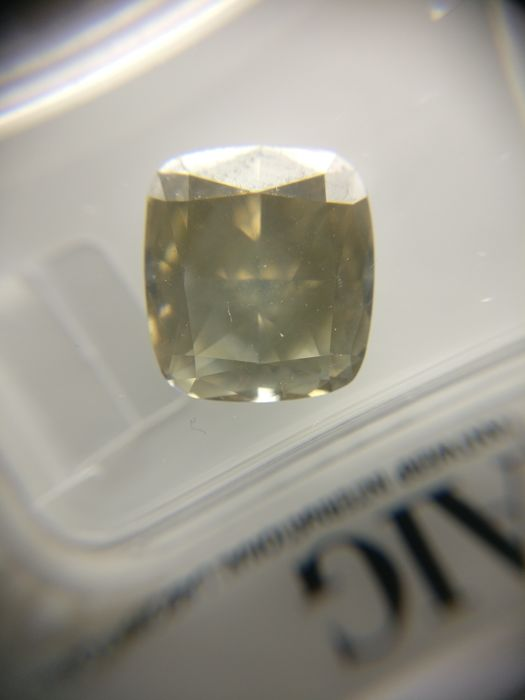 5.04 ct Cushion cut diamond Fancy Grayish Yellowish Brown SI2
