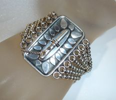 Antique bracelet in 800 silver  -signed handmade piece with 7 jasseron chains with patent clasp