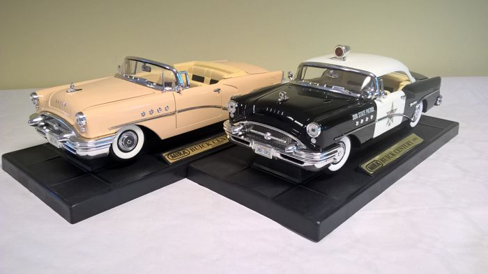 Mira - Scale 1/18 - Lot of 2 Buick Century 1955: Police car and Convertible  - Edition of 1999 with catalogue