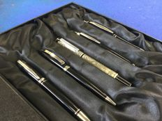 5 luxury Charles Dickens pens presented in beautiful cassette.