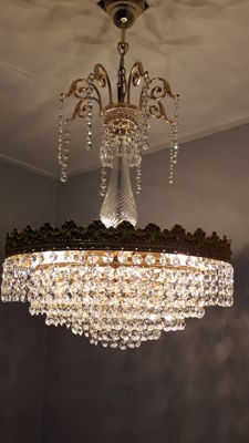 Chandelier set with Cut Crystals