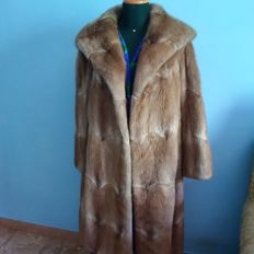 Vintage Rat Mousquet Fur Coat in Perfect Condition