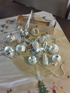 "Antique Christmas ornaments and decoration, mercury glass, also known as ""poor man'ś'śíĺver"""