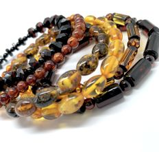 6x various bracelets of natural Baltic Amber beads, total weight 30 grams - no reserve!