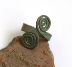 Early Iron age bronze spiral ring -  19 x 21 mm