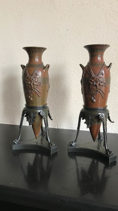 A pair of Goût Grec bronze vases on holders - France - circa 1880