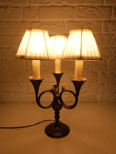 Very nice French brass trumpet lamp with 3 lights and matching shades, original wiring, switch and plug, mid 20th century