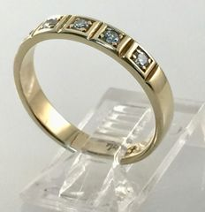 14 kt yellow-gold ring with diamonds of 0.15 ct in total - size: 16.86 mm