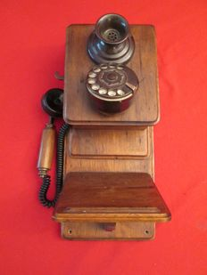 """Old collector's wooden phone """"Replica"""""""