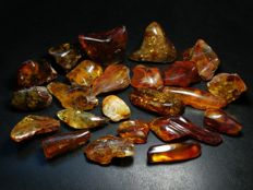 Natural Baltic amber lot - 135 gr.