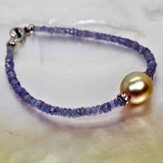 Bracelet of faceted Tanzanites and South Sea gold pearl, Ø 10 x 13 mm