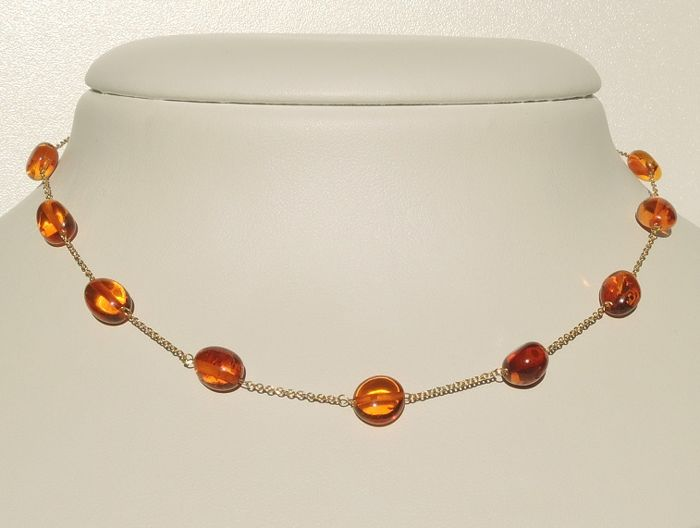 18kt gold necklace with amber – 41 cm – 5,10 gr