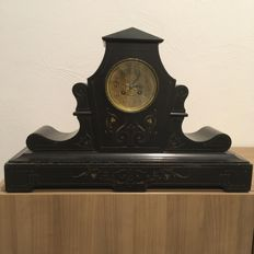 Black marble fireplace clock - Germany around 1910